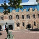 Blick vom Innenhof der Moritzburg auf den Nordflügel mit neuem Museumseingang