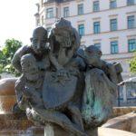 Bronzefiguren am Göbelbrunnen